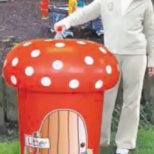 Poubelle champignon
